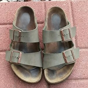 Birkenstock Arizona leather sandals size 9